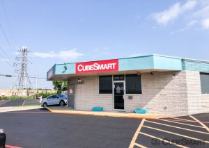 CubeSmart Self Storage - Fort Worth - 6465 E. Rosedale St. - Photo 1