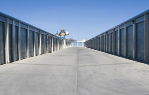 Image of Pioneer Self Storage Facility on 480 Pioneer Avenue  in Woodland, CA - View 3
