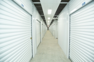 LockBox Storage - Midtown - 72nd and Dodge - Photo 3