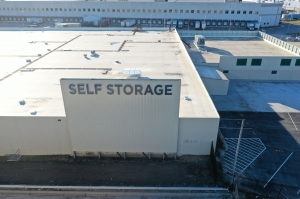 LockBox Storage - Midtown - 72nd and Dodge - Photo 11