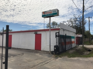 Image of UStorage USA Facility on 215 East Hamilton Street  in Houston, TX - View 4