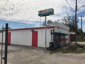 Image of UStorage USA Facility at 215 East Hamilton Street  Houston, TX