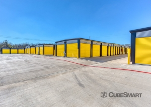 Image of Bee Safe Storage - Pflugerville - 1205 Wells Branch PKWY Facility on 1205 Wells Branch Parkway  in Pflugerville, TX - View 3