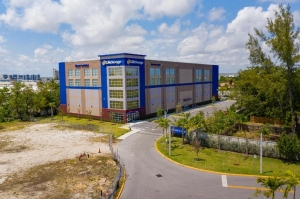 Picture of Life Storage - Dania Beach - 850 Stirling Road