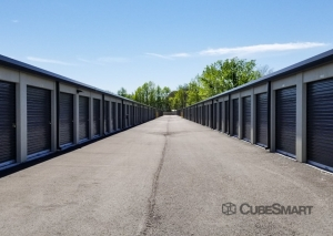 CubeSmart Self Storage - Louisville - 4530 Poplar Level Rd. - Photo 6