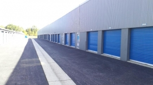Life Storage - Dundalk - 1100 North Point Road - Photo 4