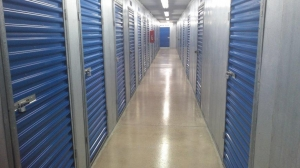 Life Storage - Rosedale - 25 Fontana Lane - Photo 3