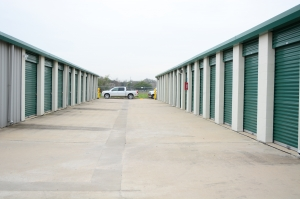 Image of Imperial Storage Solutions Facility on 15500 Voss Road  in Sugar Land, TX - View 3