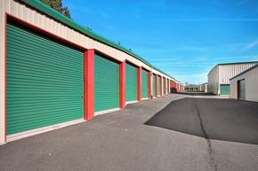 Image of Money Saver South Gresham Facility on 2118 SE Hogan Road  in Gresham, OR - View 3