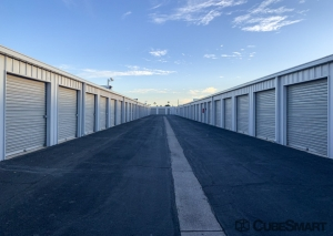 Image of CubeSmart Self Storage - Phoenix - 2019 W. Glendale Ave. Facility on 2019 West Glendale Avenue  in Phoenix, AZ - View 3
