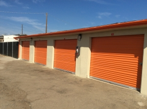 Modesto Ca Self Storage Units Near Me 9 Available 19 Mo