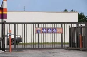 Image of Public Storage - Orlando - 5900 Lakehurst Drive Facility on 5900 Lakehurst Drive  in Orlando, FL - View 4