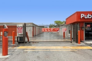 Image of Public Storage - Miami - 3700 NW 29th Ave Facility on 3700 NW 29th Ave  in Miami, FL - View 4