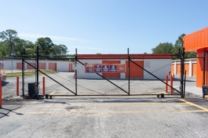 Image of Public Storage - Jacksonville - 5757 University Blvd W Facility on 5757 University Blvd W  in Jacksonville, FL - View 4