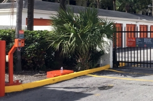 Image of Public Storage - Hialeah - 7200 W 20th Ave Facility on 7200 W 20th Ave  in Hialeah, FL - View 4