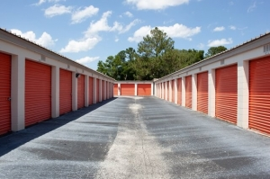 Public Storage - Jacksonville - 6219 Roosevelt Blvd - Photo 2