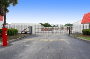 Image of Public Storage - Coral Springs - 12123 West Sample Road Facility on 12123 West Sample Road  in Coral Springs, FL - View 4