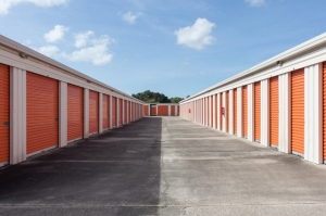 Public Storage - Winter Springs - 141 W State Road 434 - Photo 2