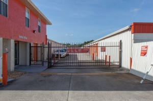 Image of Public Storage - Winter Springs - 141 W State Road 434 Facility on 141 W State Road 434  in Winter Springs, FL - View 4