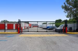 Image of Public Storage - Pompano Beach - 2250 Blount Road Facility on 2250 Blount Road  in Pompano Beach, FL - View 4