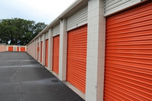 Picture of Public Storage - Daytona Beach - 350 N Nova Road
