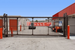 Image of Public Storage - Ft Lauderdale - 1020 NW 23rd Ave Facility on 1020 NW 23rd Ave  in Ft Lauderdale, FL - View 4