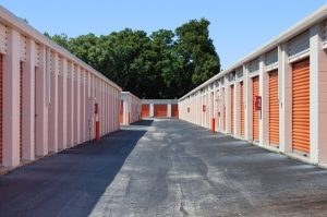Image of Public Storage - Jacksonville - 6333 Arlington Expressway Facility on 6333 Arlington Expressway  in Jacksonville, FL - View 2