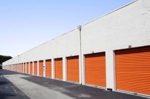 Image of Public Storage - Pompano Beach - 850 S Dixie Hwy Facility on 850 S Dixie Hwy  in Pompano Beach, FL - View 2