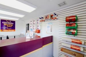 Image of Public Storage - Pompano Beach - 850 S Dixie Hwy Facility on 850 S Dixie Hwy  in Pompano Beach, FL - View 3