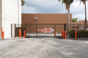 Image of Public Storage - Hialeah - 6550 W 20th Ave Facility on 6550 W 20th Ave  in Hialeah, FL - View 3