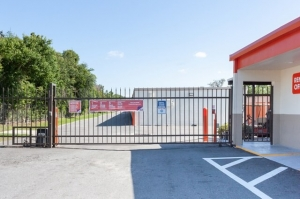 Image of Public Storage - Orlando - 1801 W Oak Ridge Road Facility on 1801 W Oak Ridge Road  in Orlando, FL - View 4