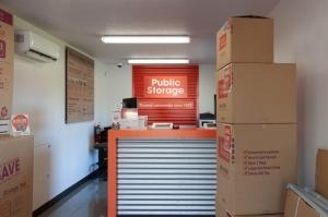 Image of Public Storage - Orlando - 1801 W Oak Ridge Road Facility on 1801 W Oak Ridge Road  in Orlando, FL - View 3