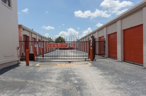 Image of Public Storage - Winter Park - 1625 State Road 436 Facility on 1625 State Road 436  in Winter Park, FL - View 4