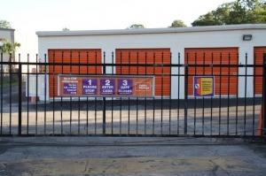 Image of Public Storage - Jacksonville - 8523 Baymeadows Road Facility on 8523 Baymeadows Road  in Jacksonville, FL - View 4