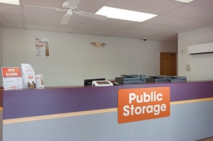 Image of Public Storage - Tampa - 16415 N Dale Mabry Hwy Facility on 16415 N Dale Mabry Hwy  in Tampa, FL - View 3