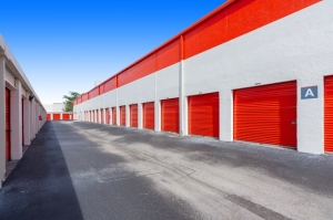 Image of Public Storage - Davie - 2001 SW 70th Ave Facility on 2001 SW 70th Ave  in Davie, FL - View 2