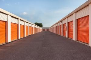Public Storage - Tampa - 5014 S Dale Mabry Hwy - Photo 2