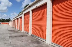 Image of Public Storage - Oviedo - 1400 Alafaya Trail Facility on 1400 Alafaya Trail  in Oviedo, FL - View 2