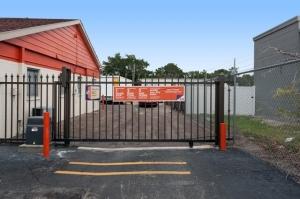 Image of Public Storage - Seminole - 6820 Seminole Blvd Facility on 6820 Seminole Blvd  in Seminole, FL - View 4