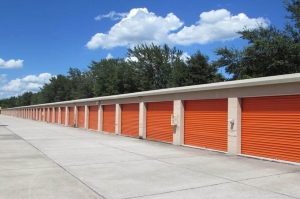 Public Storage - Brandon - 1010 W Lumsden Road - Photo 2