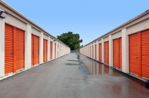Image of Public Storage - Miami - 2445 NW 38th Street Facility on 2445 NW 38th Street  in Miami, FL - View 2