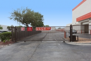Image of Public Storage - Tampa - 8230 N Dale Mabry Hwy Facility on 8230 N Dale Mabry Hwy  in Tampa, FL - View 4
