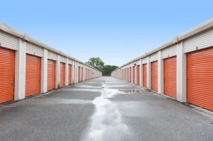 Image of Public Storage - Tampa - 8230 N Dale Mabry Hwy Facility on 8230 N Dale Mabry Hwy  in Tampa, FL - View 2