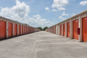 Image of Public Storage - Orlando - 3145 N Alafaya Trail Facility on 3145 N Alafaya Trail  in Orlando, FL - View 2