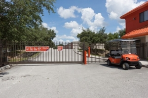 Image of Public Storage - Orlando - 3145 N Alafaya Trail Facility on 3145 N Alafaya Trail  in Orlando, FL - View 4