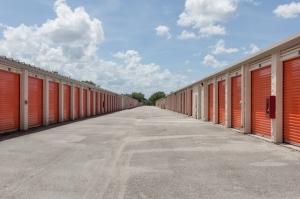 Image of Public Storage - Orlando - 3145 N Alafaya Trail Facility on 3145 N Alafaya Trail  in Orlando, FL - View 2