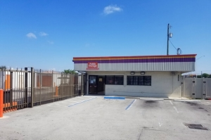 Public Storage - Hialeah - 6800 W 4th Ave