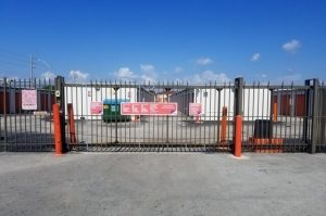 Image of Public Storage - Hialeah - 6800 W 4th Ave Facility on 6800 W 4th Ave  in Hialeah, FL - View 4