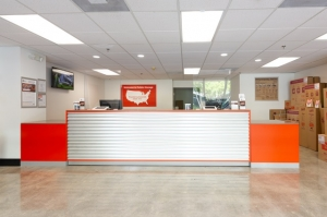 Image of Public Storage - Aventura - 2940 NE 188th Street Facility on 2940 NE 188th Street  in Aventura, FL - View 3