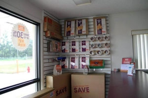 Image of Public Storage - Orlando - 235 E Oak Ridge Road Facility on 235 E Oak Ridge Road  in Orlando, FL - View 3
